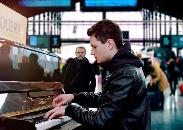 パリに見出されたピアニスト 場面写真1