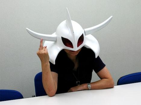 月刊サンデーGXの編集長・小室ときえ氏。通り名「仮面編集長」について知りたい人は、いますぐリンクから特集記事へ。