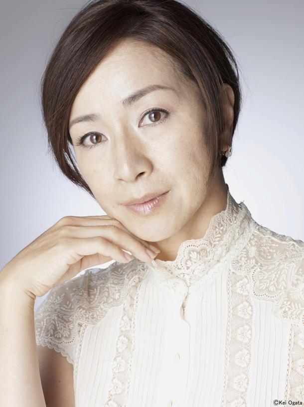 美容クリニック院長・和智久子を演じる原田美枝子。(C)2012 映画『ヘルタースケルター』製作委員会