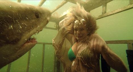 映画「シャークナイト」は「TOHOシネマズ日劇モンスターナイトカーニバル」の第1弾作品に決定している。(C)2011 INCENTIVE FILM PRODUCTIONS, LLC. ALL RIGHTS RESERVED.