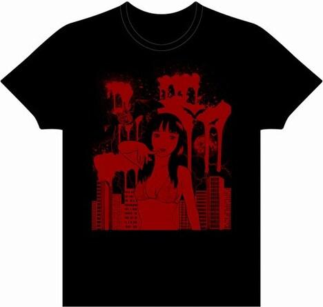 早見純の「Vampire」Tシャツ。