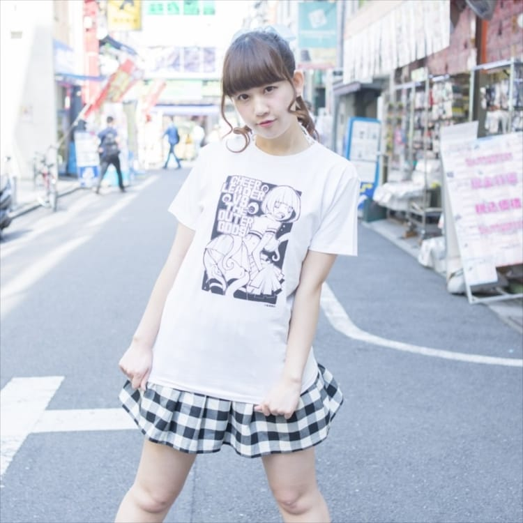 道満晴明がイラストを手がけたパンチラTシャツ。