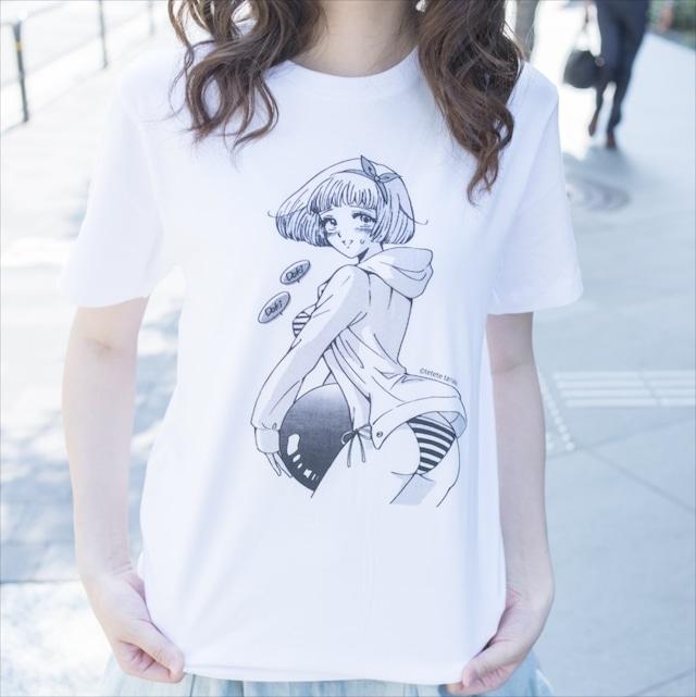田中てててがイラストを手がけたパンチラTシャツ。