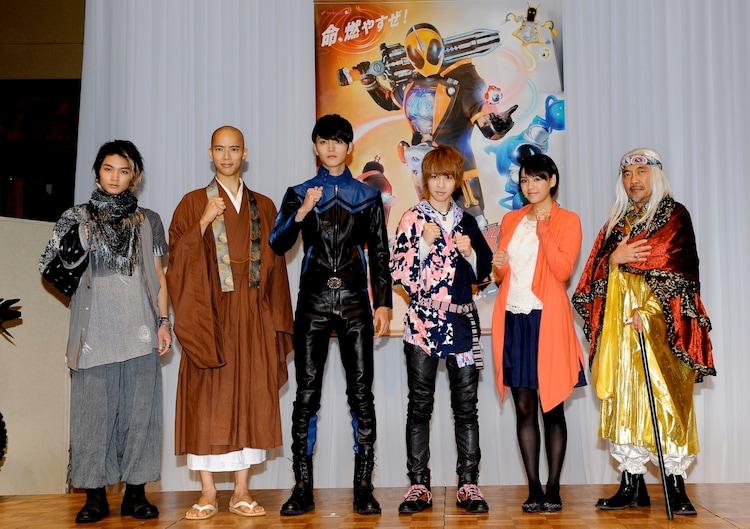 昨日8月18日に行われた「仮面ライダーゴースト」制作発表会見の様子。(c)2015 石森プロ・テレビ朝日・ADK・東映