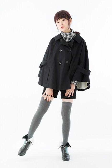 間黒男モデルのショートブーツ着用例。
