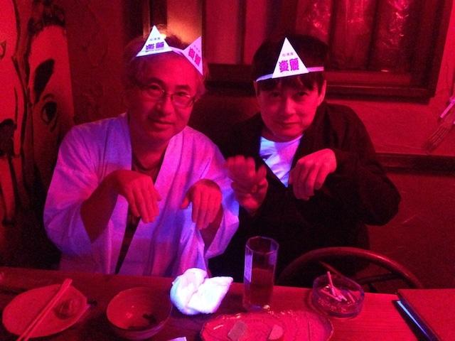 外薗昌也(左)、いまざきいつき(右)。