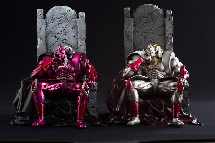 左から「悪魔将軍(悪) コミック背表紙ver. 威厳」と、同「原作ver. 威厳」。