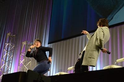 小野友樹と小野大輔による「ジョジョ」決めポーズ合戦。