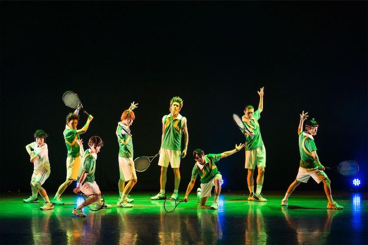 「TEAM Live YAMABUKI」より、楽曲を披露する山吹のメンバー。