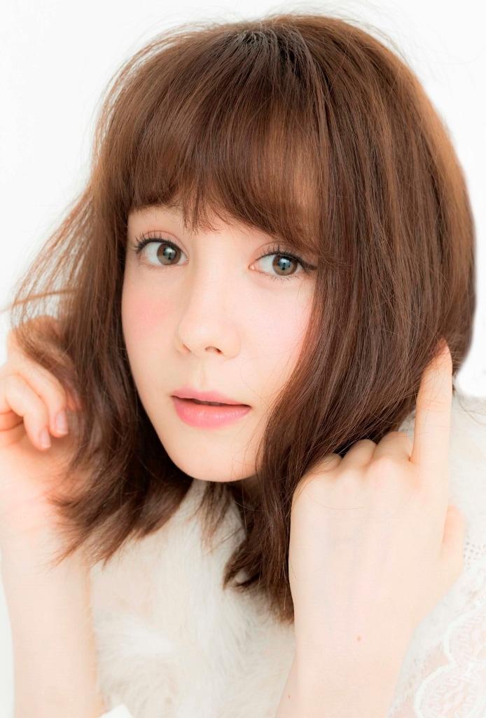 美山千明役のトリンドル玲奈。
