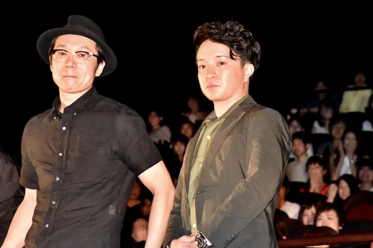 吉田恵輔監督と濱田岳。