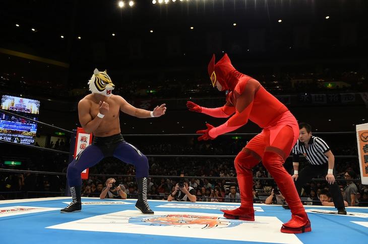 タイガーマスクWvsレッドデスマスクより。 (c)新日本プロレス
