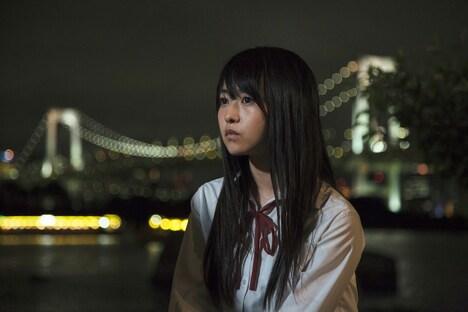 映画「傷だらけの悪魔」より、乃木坂46の伊藤万理華。