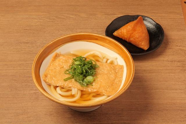 讃岐うどん 伊吹や製麺 秋葉原UDX店で提供される「紺のコンコンお狐様セット」。
