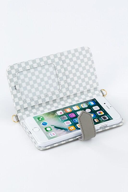 八乙女楽モデルのスマートフォンケース(iPhone7用)。