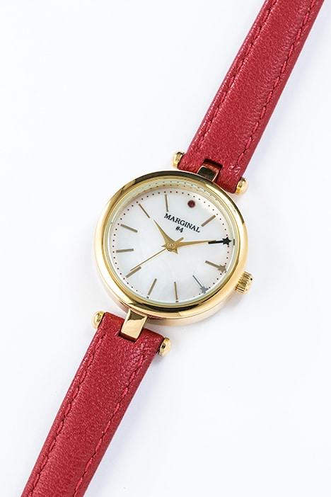 桐原アトムモデルの腕時計。
