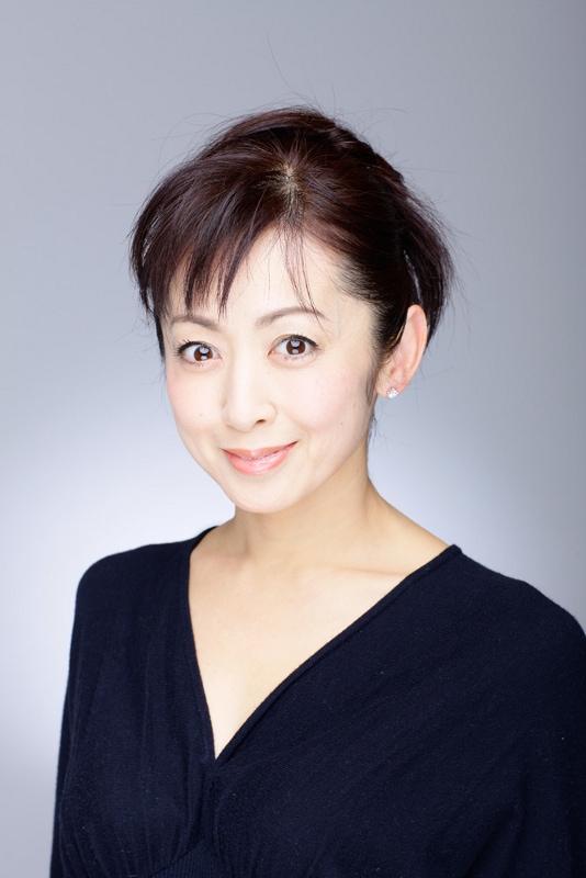 鈴木柳子役を演じる斉藤由貴。