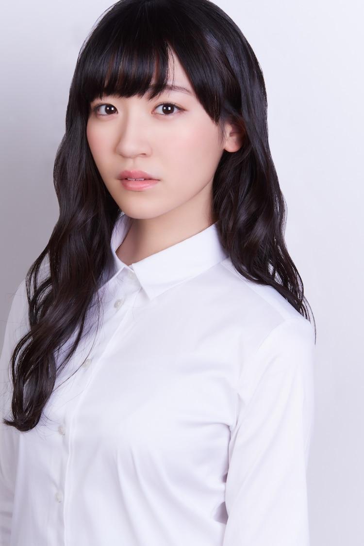 リコス役の前島亜美。