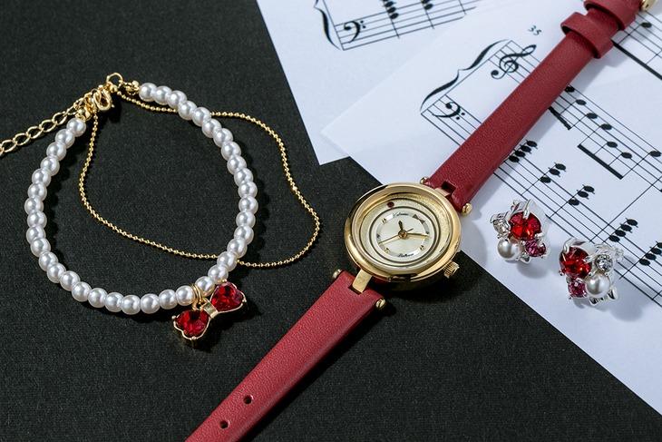 「ボールルームへようこそ」富士田多々良モデルの腕時計、ブレスレット、ピアス、イヤリング。