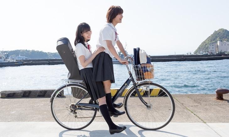 映画「志乃ちゃんは自分の名前が言えない」のワンシーン。