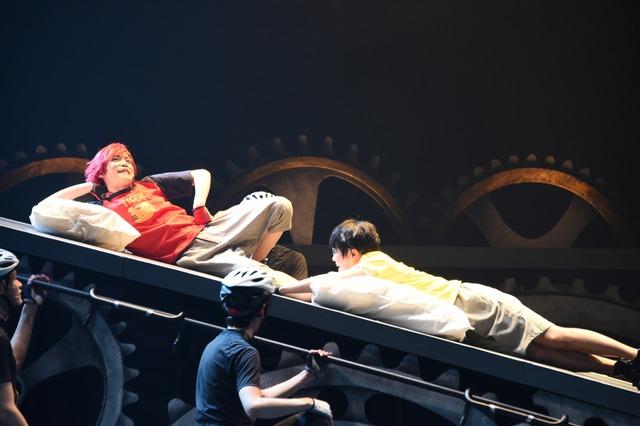 「舞台『弱虫ペダル』新インターハイ篇~箱根学園王者復格(ザ・キングダム)~」ゲネプロの様子。