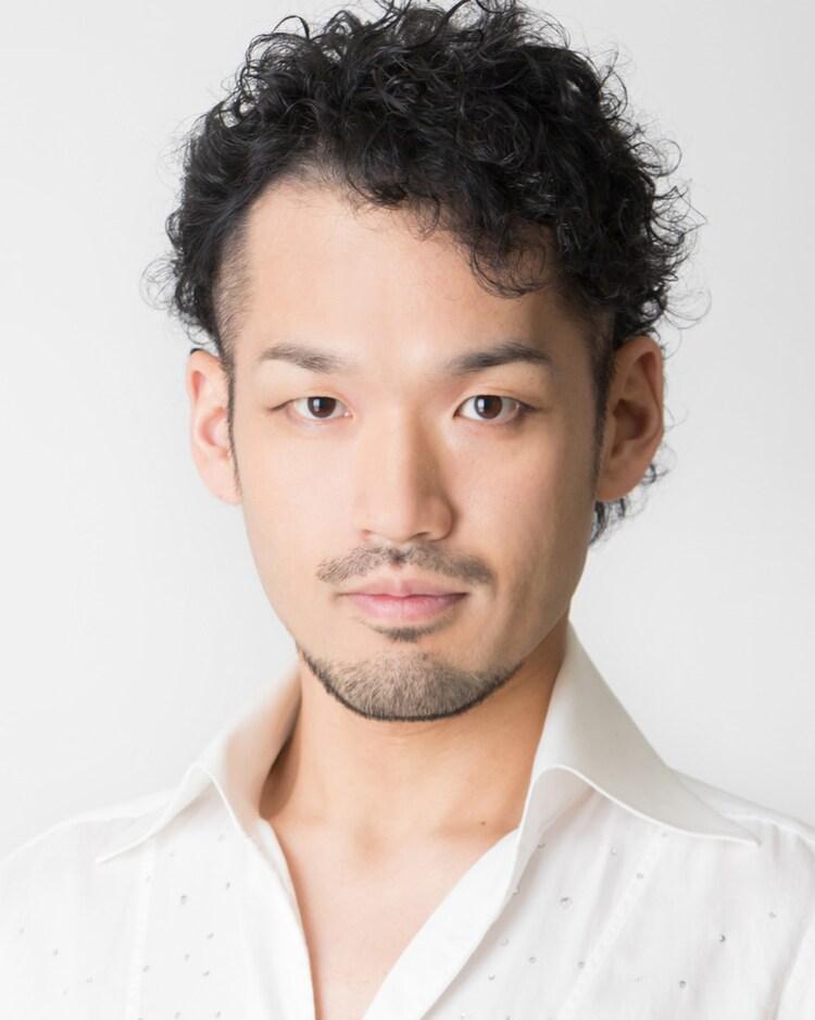 スレイダー役の奈良坂潤紀。