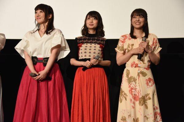 左から、「プリティーリズム」シリーズより阿澄佳奈、大久保瑠美、加藤英美里。