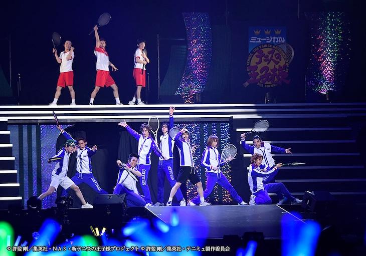 「ミュージカル『テニスの王子様』15周年記念コンサート Dream Live 2018」より、青学の面々。
