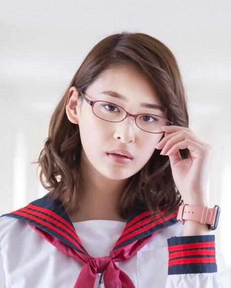 柳美稀扮する渡辺隆子。
