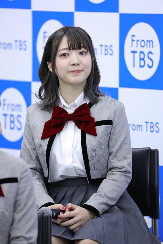 花柳香子役の伊藤彩沙。