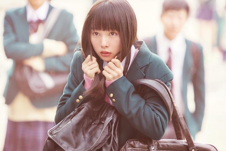 映画「ういらぶ。」より、桜井日奈子演じる春名優羽。