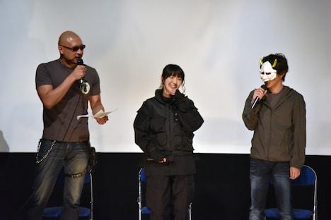 「影鰐 LIVE 上映 2.8 猿楽ナイトツアー」トークショーの様子。左からマフィア梶田、石川由依、あろまほっと(M.S.S Project)。