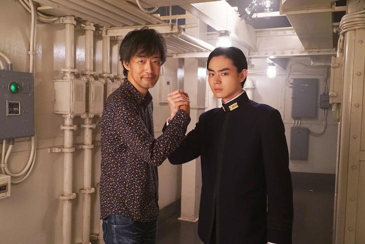 左から山崎貴監督、櫂直役の菅田将暉。