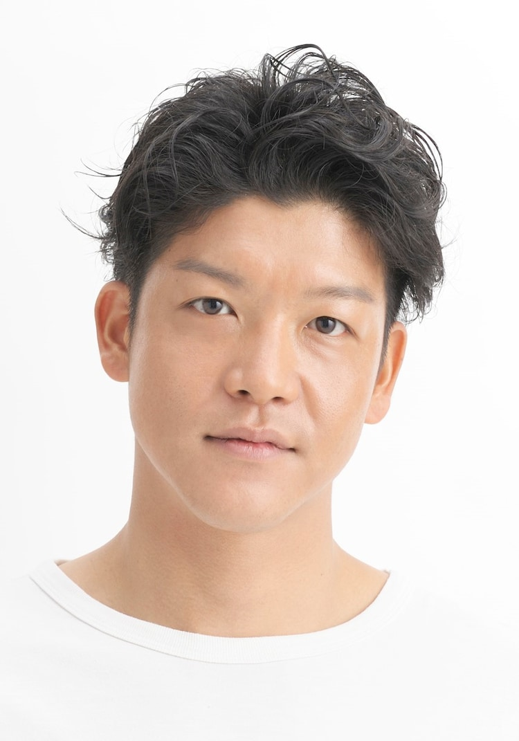 山田翔平役の駿河太郎。