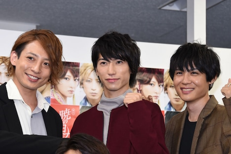 左からスウォン役の陳内将、シンア役の奥谷知弘、ユン役の樋口裕太。