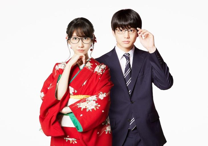 ドラマ「この恋はツミなのか!?」より、駒田多恵役の柏木由紀(左)、小日向大河役の伊藤健太郎。