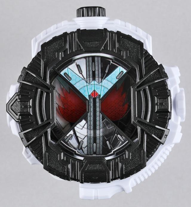 「風都探偵」5巻限定版に付属する、「DXダブル ファングジョーカーライドウォッチ」。