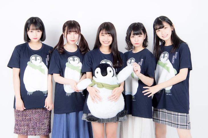 まねきケチャの(左から)中川美優、宮内凛、松下玲緒菜、深瀬美桜、新メンバーとして加わった篠原葵。