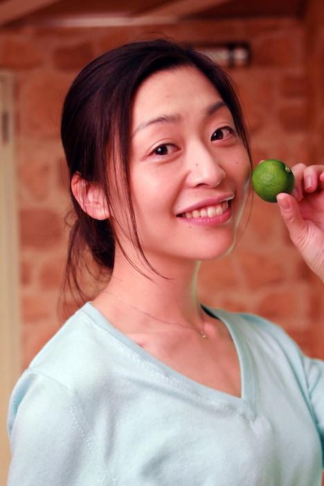 スダチ役の内田慈。