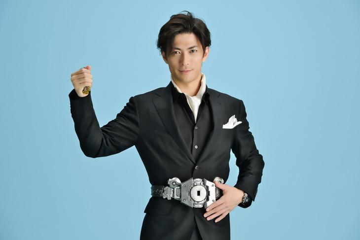 風都を愛する男・園咲霧彦役の君沢ユウキ。