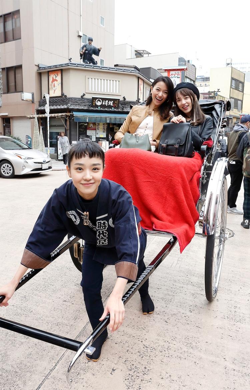 ドラマ「のの湯」より。前列が奈緒演じる鮫島野乃、後列左より高橋ユウ演じるアリッサ・リベラ、都丸紗也華演じる湯気岫子。