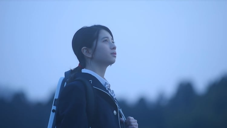 AZUMA HITOMI「とおく」ミュージックビデオより。