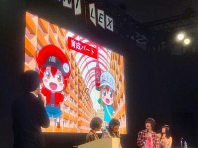 """左から花澤香菜と井上喜久子の""""はたらく17歳""""チーム、前野智昭と長縄まりあの""""Mの細胞""""チーム。"""