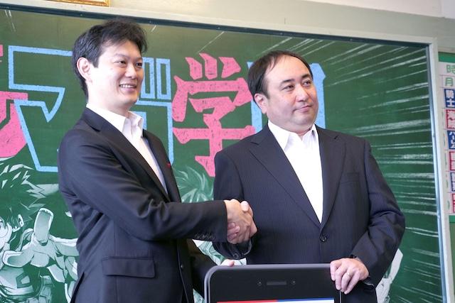 左から中野裕之週刊少年ジャンプ編集長、栗田宏俊週刊少年マガジン編集長。