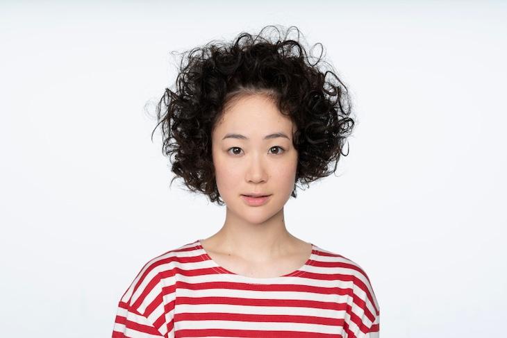 黒木華扮する大島凪。