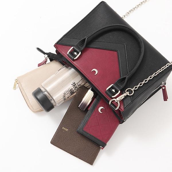 沙悟浄モデルのバッグの使用イメージ。