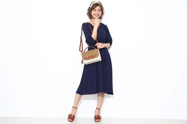 孫悟空モデルのバッグの使用イメージ。