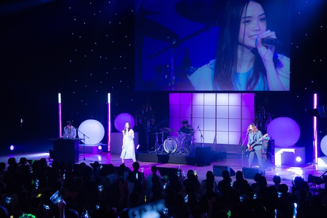sajou no hanaのライブの様子。
