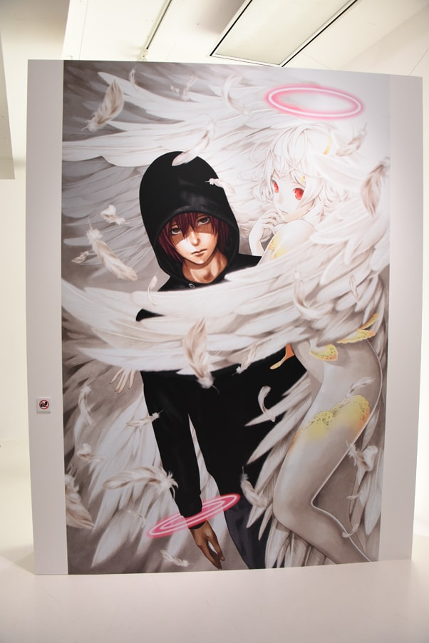 「Never Complete」より「プラチナエンド」の展示。