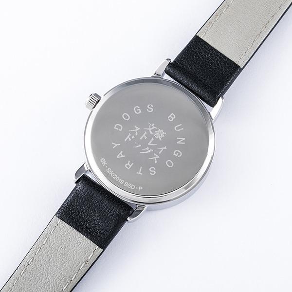 中島敦モデルの腕時計。
